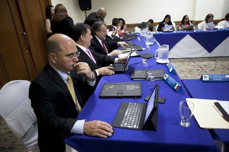 Vista del encuentro de expertos en marcas reunidos en Honduras. (PL-EFE)