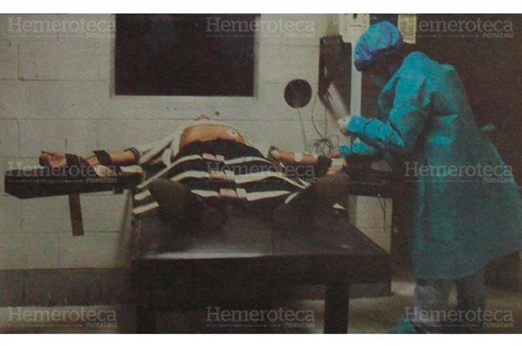 Luis Amílcar Cetino Perez, miembro de la banda de secuestradores Los Pasaco, fue ejecutado por medio de la inyección letal, 29/05/ 2000. (Foto Hemeroteca PL)
