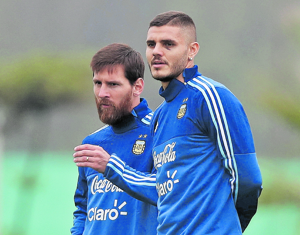 Lionel Messi y Mauro Icardi fueron llamados nuevamente por Jorge Sampaoli para enfrentar a Perú en el camino a Rusia 2018. (Foto Prensa Libre: EFE)