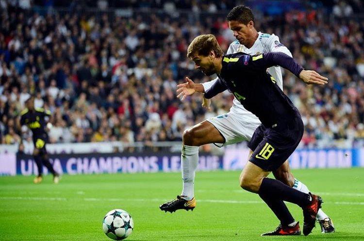 Lloente intenta superar la marca de Varane.