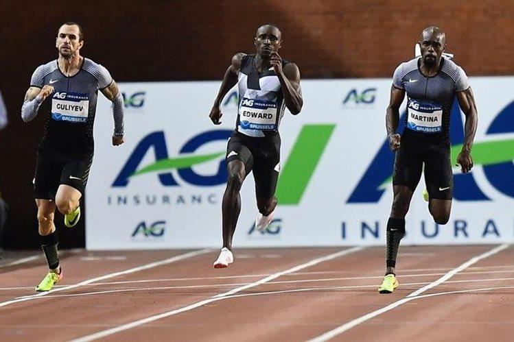 Alonso Edward se proclamó campeón de la temporada de los 200 metros. (Foto Prensa Libre: AFP).