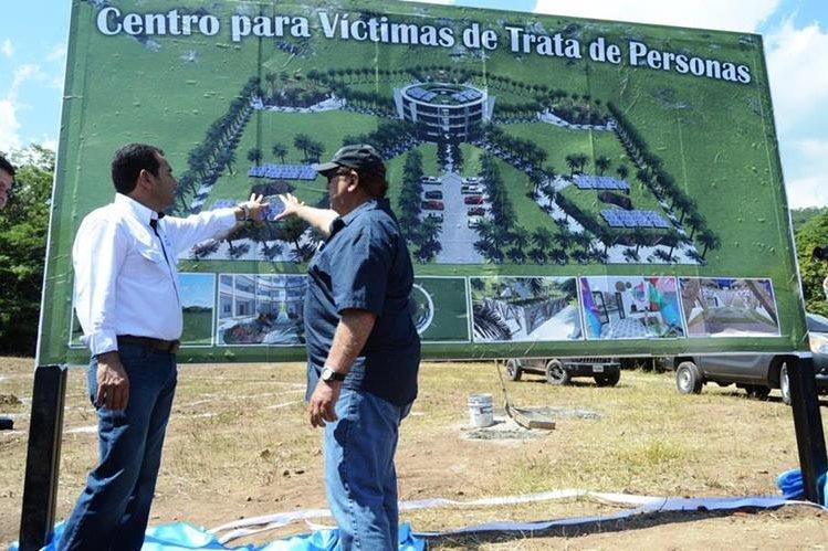 Inmueble es construido en Río Hondo, Zacapa y recibirá a víctimas de trata de personas. (Foto Prensa Libre. Víctor Gómez)