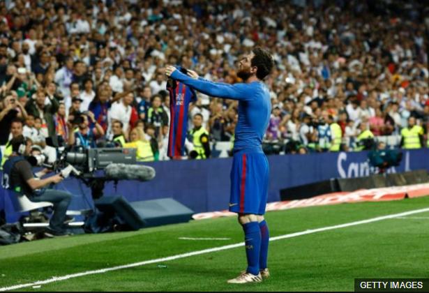 Messi desafió a los jugadores del Real Madrid y a su afición, pero su deslumbrante actuación no pudo borrar los problemas del Barcelona.
