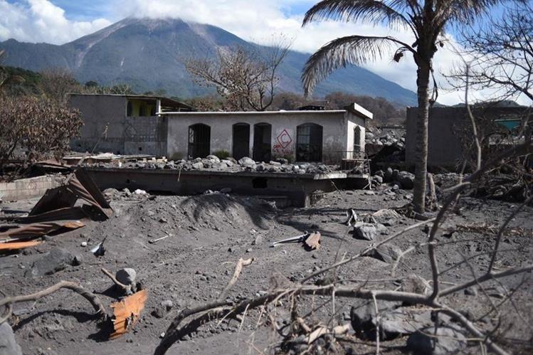 Reactivan clases un mes después de erupción del Volcán de Fuego — Guatemala