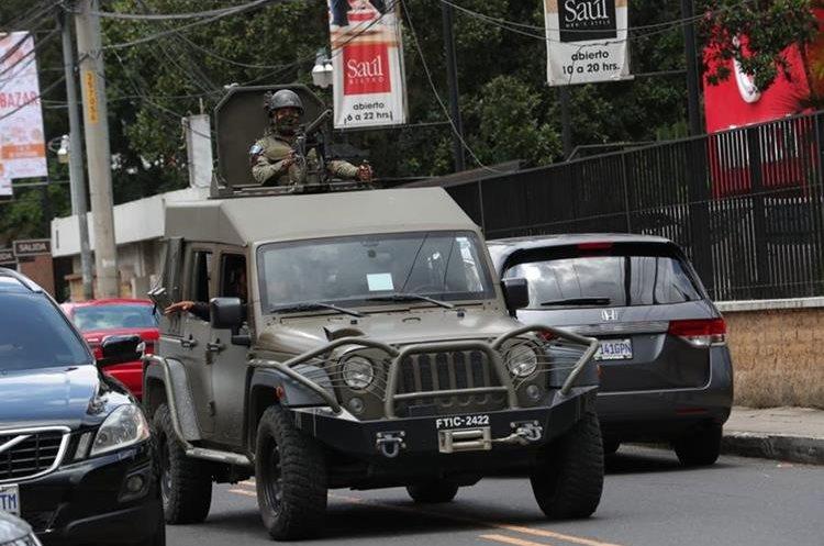 Los vehículos son utilizados por fuerzas combinadas de la Policía y el Ejército. (Foto Prensa Libre: Hemeroteca PL)
