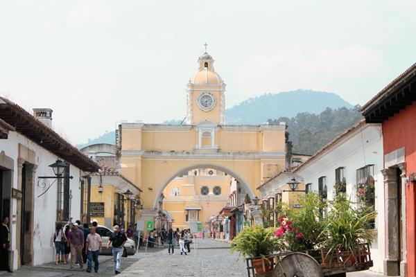 Al menos dos millones de turistas nacionales han visitado distintos lugares durante la época de Semana Santa. (Foto Prensa Libre: Hemeroteca)