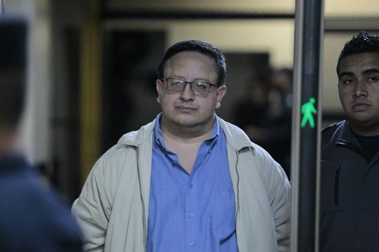 Luís Carlos de León Zea, exdirector del SP, fue detenido por su presunta participación en el asesinato deByron Lima Oliva y de otros 12 reos. (Foto Prensa Libre: Hemeroteca PL)