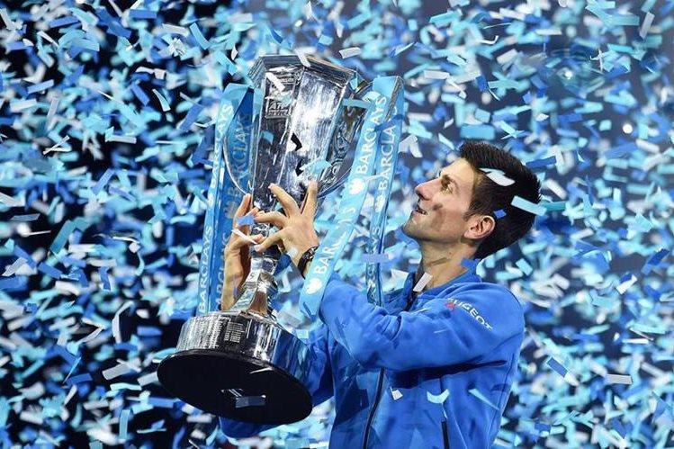 El serbio sigue haciendo historia en el tenis mundial. (Foto Prensa Libre: EFE)