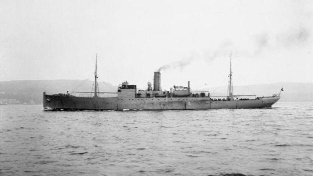 """El Capitán Krech describió la batalla del UB-85 contra """"un monstruo marino"""" a bordo del buque británico HMS Coreopsis. (IMPERIAL WAR MUSEUM)"""