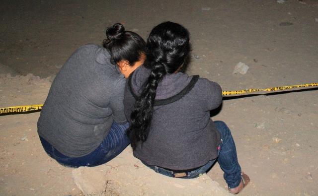 Familiares de las víctimas lamentan lo acontecido. (Foto Prensa Libre: Héctor Contreras)