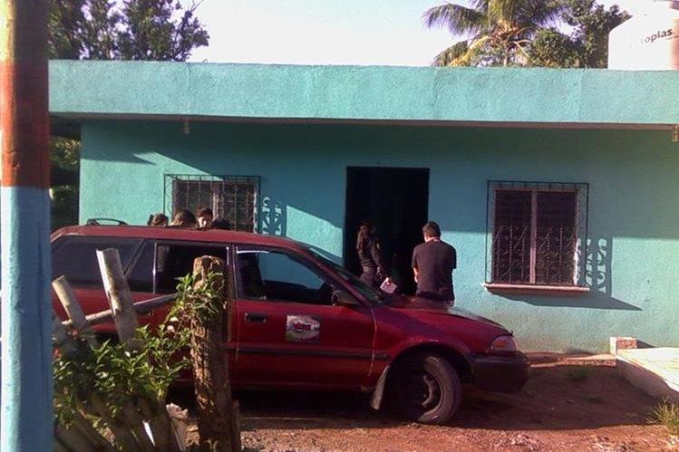 En esta casa ubicada en la colonia Jardines de Mazate en Mazatenango fueron amenazados los periodistas. (Foto Prensa Libre: P. Raquec)