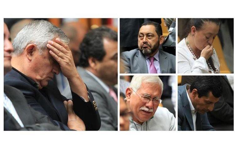 Lágrimas, oraciones, enojo y también alegría se pudo observar al momento que el juez Miguel Ángel Gálvez ligaba a procesos a los implicado en Cooptación del Estado. (Foto Prensas LIbre: Edwin Bercián)