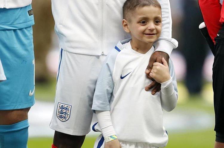 Bradley Lowery vivió sus últimos días cerca del futbol. (Foto Prensa Libre: AFP)