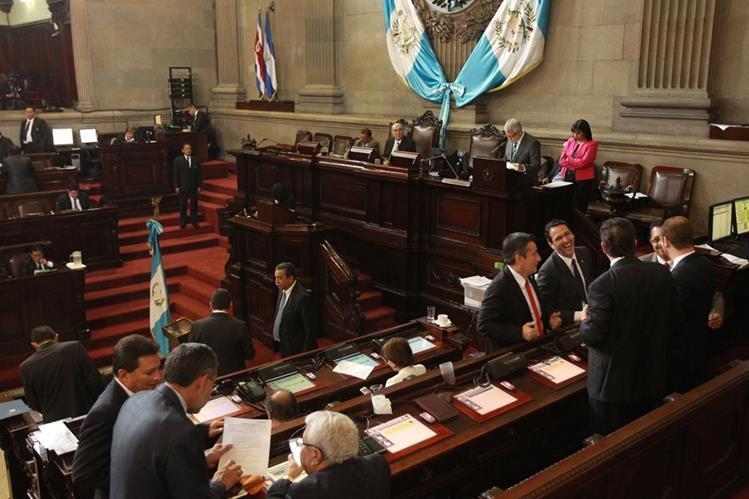El subjefe de la bancada FCN-Nación solicitó permiso temporal para abandonar su curul. (Foto Prensa Libre: Hemeroteca PL)