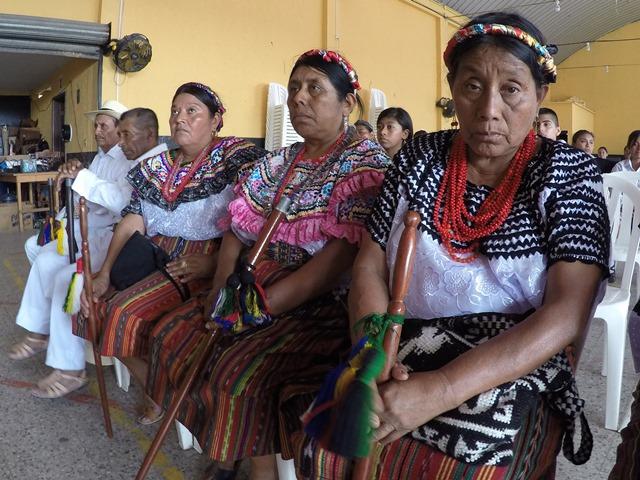 """Lideresas de la comunidad lingüística achí asistieron este martes a un foro en Cubulco, Baja Verapaz.&nbsp;<span style=""""font-size: 12px;"""">PRENSA LIBRE / EDUARDO SAM</span>"""