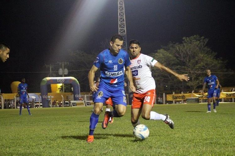 El volante de Municipal Marco Pablo Pappa aseguró que el punto conseguido contra Mictlán fue merecido para ambos equipos. (Foto Prensa Libre: Hugo Oliva).