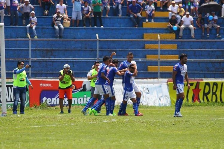 Suchitepéquez sigue en su camino a la salvación y permanencia en Liga Nacional. (Foto Prensa Libre: Rolando Miranda)