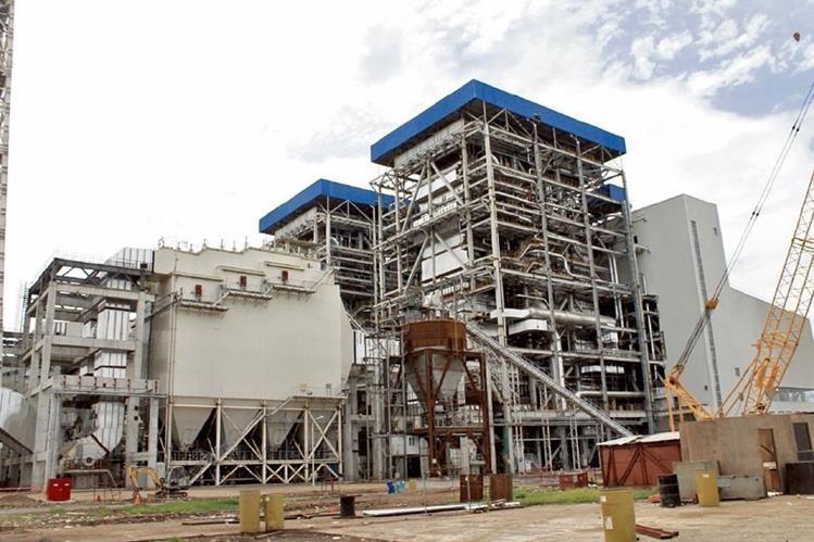La nueva denuncia contra la generadora con carbón mineral es la contaminación de un río, según comunidades de Masagua, Escuintla.