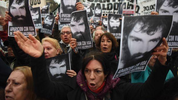 Cada día que pasa sin que se encuentre a Santiago Maldonado la polémica aumenta. AFP/EITAN ABRAMOVICH