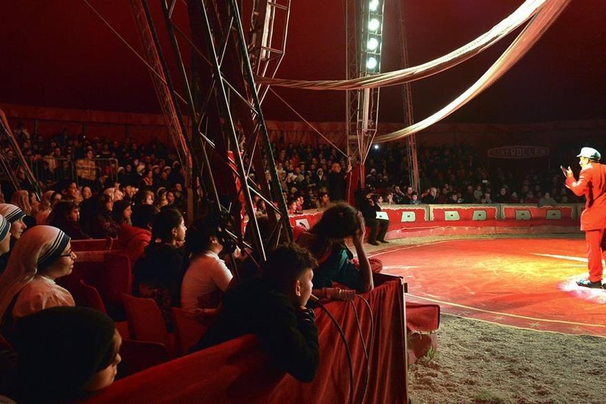 La invitación del Papa al Ronny Roller Circus llegó a través de la Limosnería Apostólica del Vaticano. (Foto Prensa Libre: AFP).