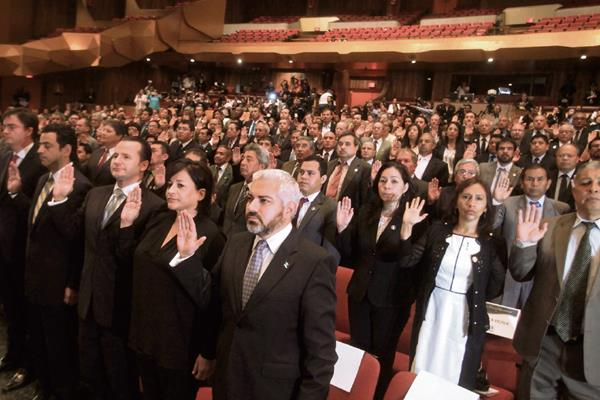 EL PLENO de magistrados del TSE presidió el acto de convocatoria a elecciones generales para el 6 de septiembre próximo.