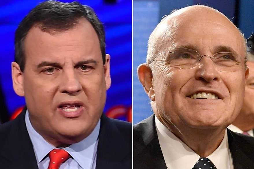 Chris Christie (izquierda), y Rudy Giuliani (derecha), aspiran a ser fiscal general. (Foto Prensa Libre: AFP).
