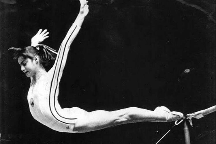Nadia Comaneci primera gimnasta en obtener un 10 en Juegos Olímpicos. (Foto: Hemeroteca PL)