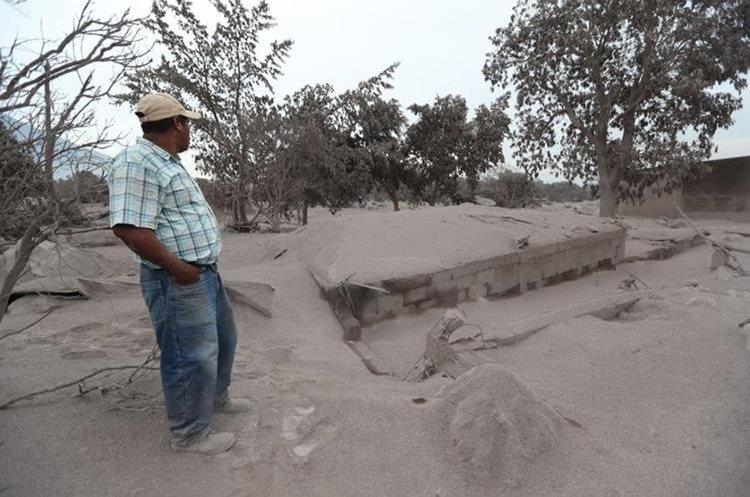 San Miguel Los Lotes queda devastada por erupción volcánica