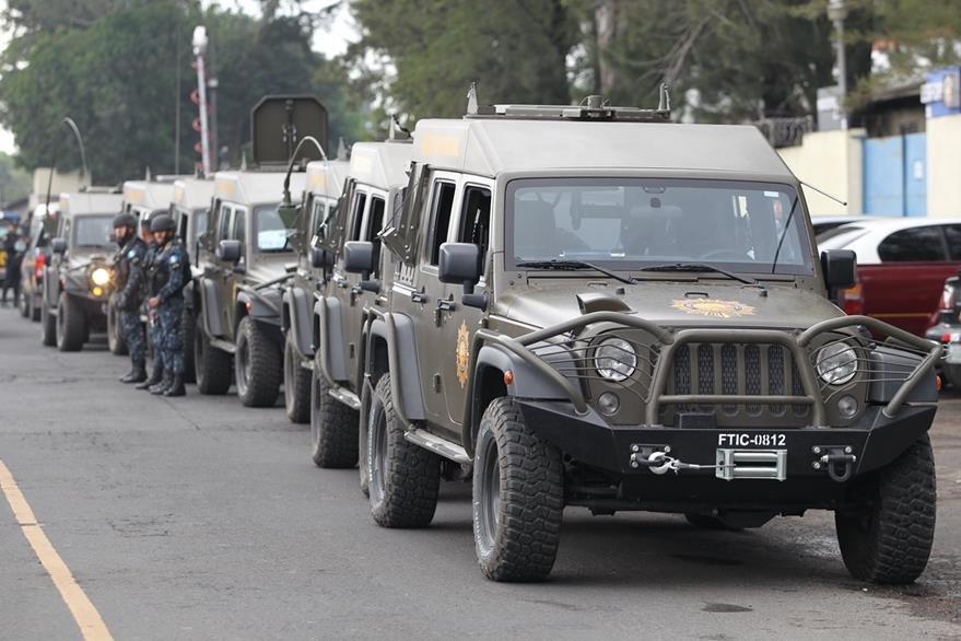 El operativo policial se denominó, Guate es nuestra, participaron unos tres mil policias. (Foto Prensa Libre: Érick Ávila)