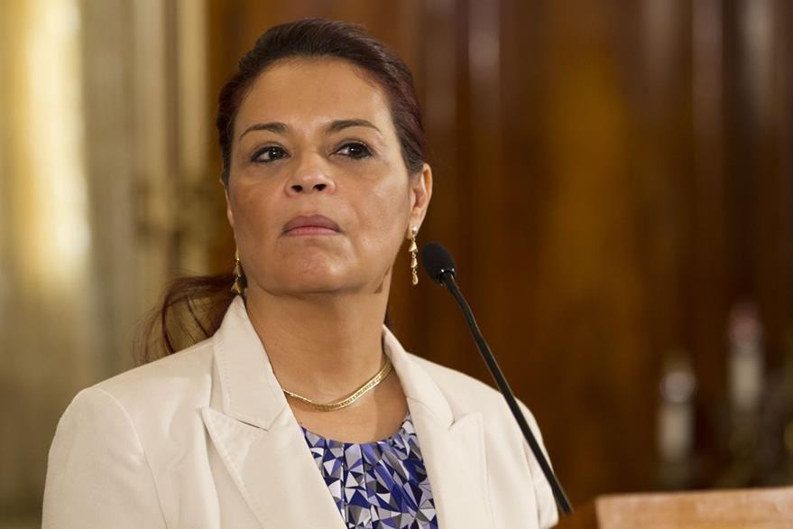 Roxana Baldetti durante la última conferencia de prensa que presidió. (Foto Prensa Libre: AP)