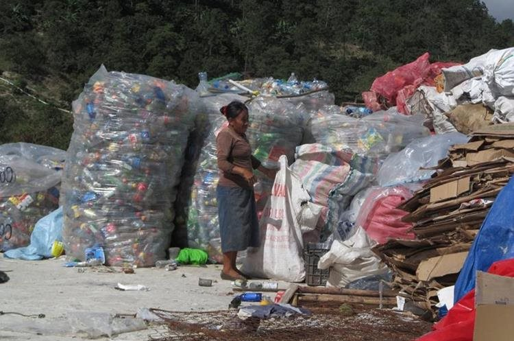 En el actual vertedero se instalará una terminal de transferencias de donde se trasladarán los desechos.(Foto Prensa Libre: Mario Morales)