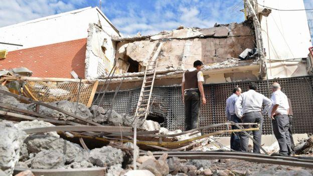 El edificio de Prosegur recibió el impacto de explosivos. AFP