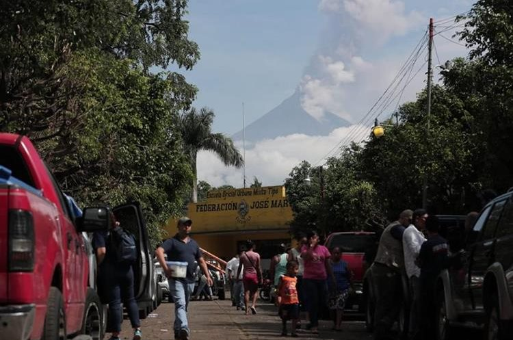 750 viviendas continúan en riesgo por la erupción del volcán y el descenso de lahares. (Foto Prensa Libre: Hemeroteca PL)