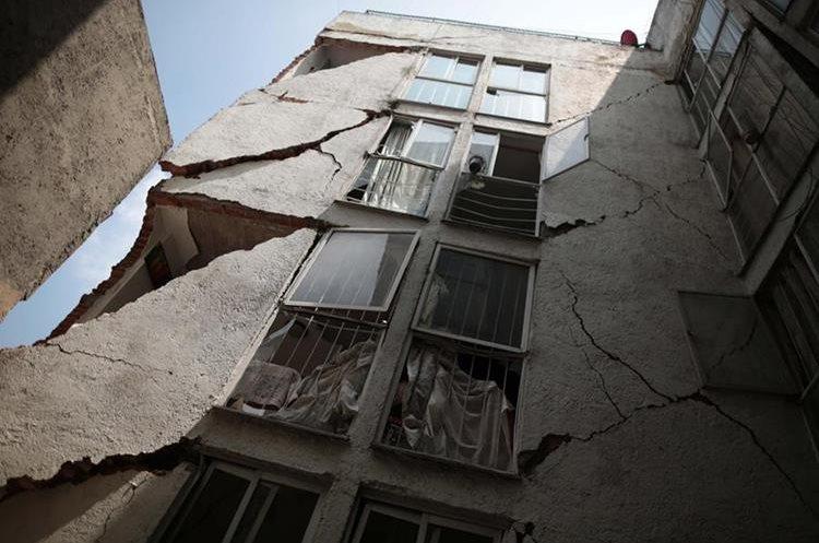 Edificio colapso por el terremoto en Ciudad de México, México. (EFE).
