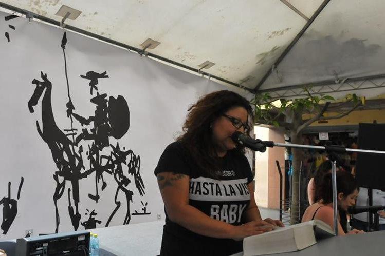 Se espera que unas 180 personas participen en la lectura continua de El Quijote. (Foto Prensa Libre: Ana Lucía Ola)