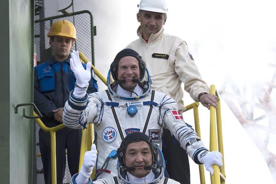 Andreas Mogensen, Sergei Volkov y Aidyn Aimbetov. (Foto Prensa Libre: AFP).