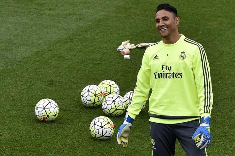 El portero tico Keylor Navas durante el último entrenamiento del Real Madrid antes del compromiso de mañana contra el Manchester City. (Foto Prensa Libre: AFP)