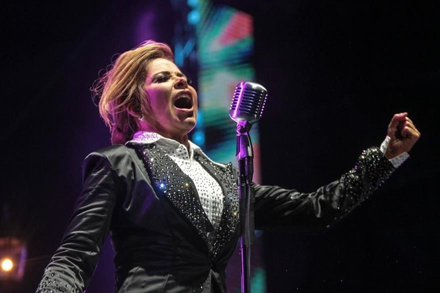 Gloria Trevi cantó con sentimiento y dedicó los temas al amor. (Foto Prensa Libre: Keneth Cruz)