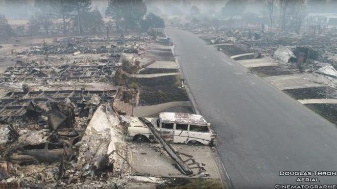 El presidente de Estados Unidos, Donald Trump, emitió una declaración de desastre para California, lo que provee recursos federales para los gobiernos locales que necesitan ayuda urgente. REUTERS