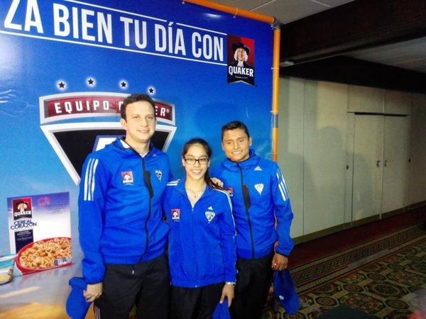 Kevin Cordón, Ana Sofía Gómez y Érick Barrondo en la presentación del Equipo Quaker. (Foto Prensa Libre: Francisco Sánchez)