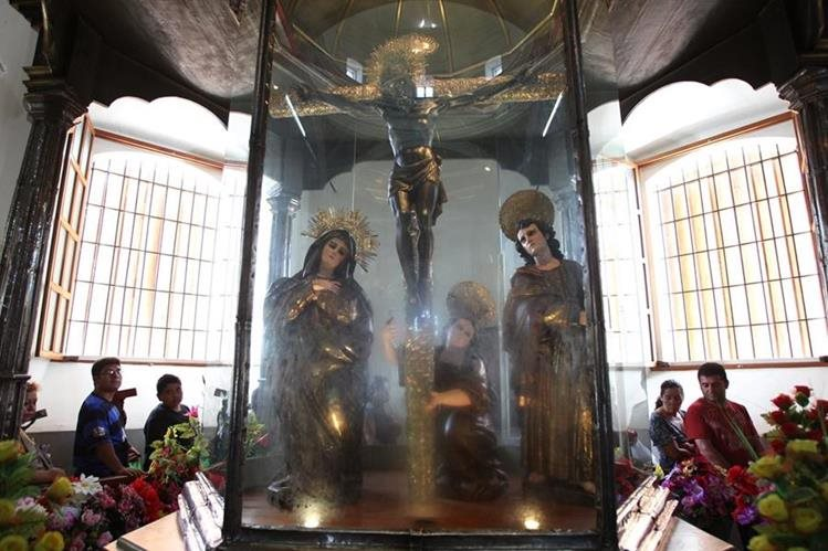 Al camarín del Cristo Negro acuden millares de peregrinos venidos de diferentes partes del continente. (Foto: Hemeroteca PL)