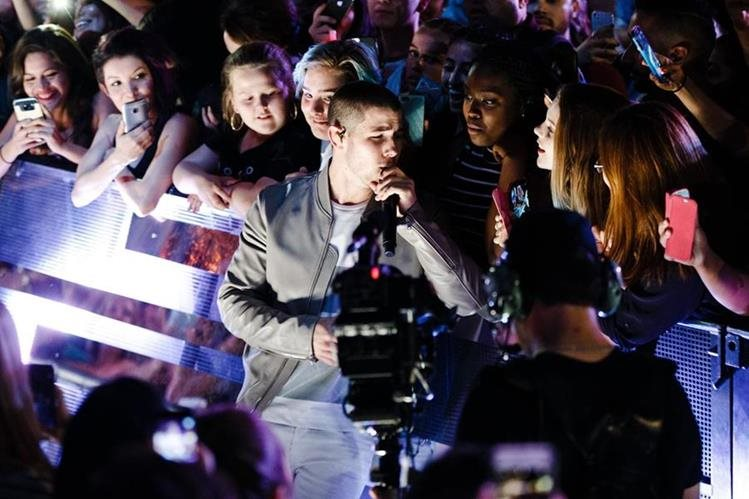 Nick Jonas actúa en los iHeartRadio Much Music Video Awards (Foto Prensa Libre: AP)