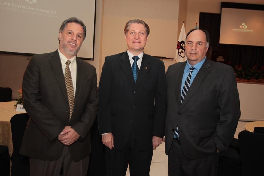 Christian Castillo, Rodrigo Gavarrete y Francisco Castillo. (Foto Prensa Libre: Edwin Castro)