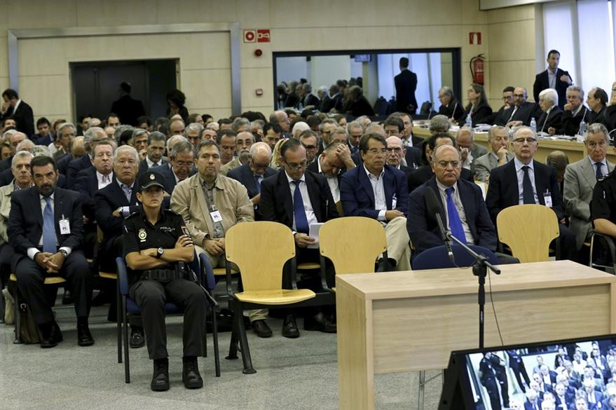 Vista parcial de la sala del tribunal donde tiene lugar el jucio contra Rodrigo Rato. (AP)