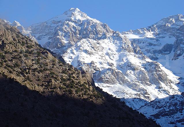 El imponente monte Everest el punto más alto del planeta. (Foto: Hemeroteca PL)