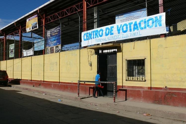 Autoridades ixiles exigen que servicio eléctrico sea garantizado durante las elecciones del domingo. Foto Prensa Libre: Óscar Figueroa)