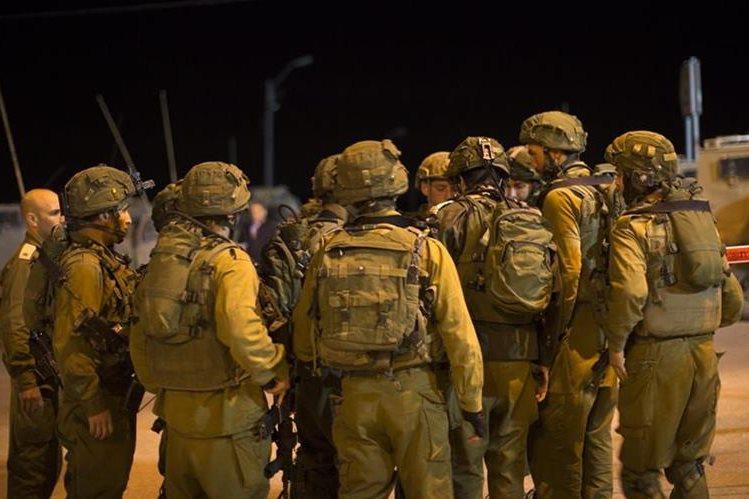 Soldados israelíes resguardan las fronteras del país. (Foto Prensa Libre: EFE).