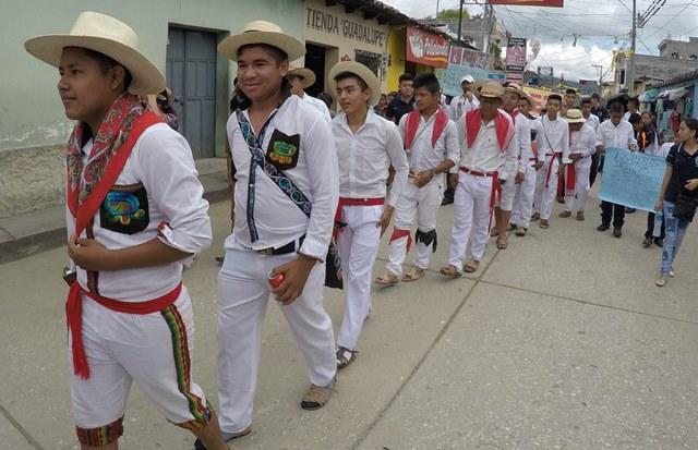 """Caminata en conmemoración del Día Internacional de los Pueblos Indígenas en Cubulco, Baja Verapaz.&nbsp;<span style=""""font-size: 12px;"""">PRENSA LIBRE / EDUARDO SAM</span>"""