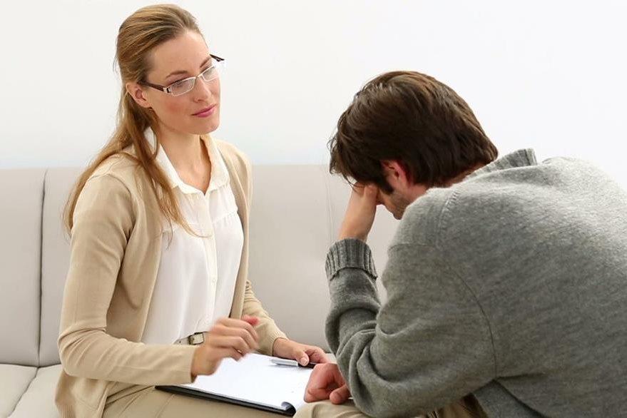 La terapia con un psiquiatra será fundamental para tratar con éxito  la condición emocional. (Foto Prensa Libre: Psyciencia)