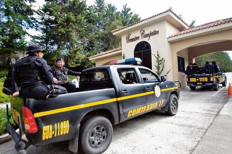 Uno de los allanamientos efectuados en el condominio Premiere Campestre, lugar donde se encuentra la residencia de Gustavo Alejos Cámbara.